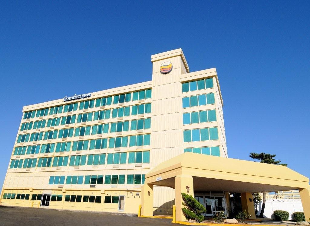Comfort Inn South Oceanfront Hotel